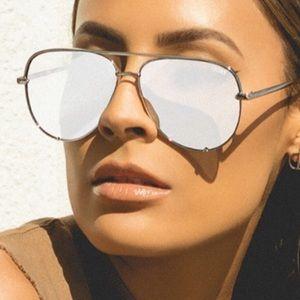 Quay x Desi high key silver/silver sunglasses